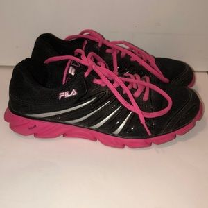Fila DLS Memory Foam tennis shoes